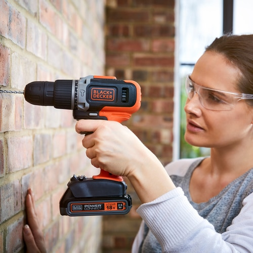 Black and Decker - 18V Lithiumion 2 Speed Hammer Drill with 2x 15Ah Batteries and 400mA Charger - BCD003C2K