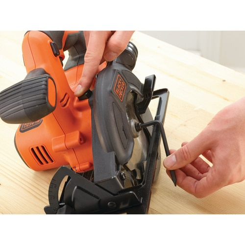 Black And Decker - 18V Circular Saw with 15Ah battery and 400mA Charger - BDCCS18C1