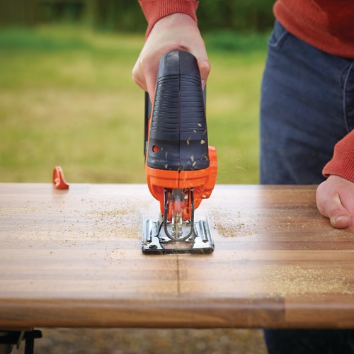 Black and Decker - 18V Lithiumion Cordless Pendulum Jigsaw with 1 Wood blade - BDCJS18N