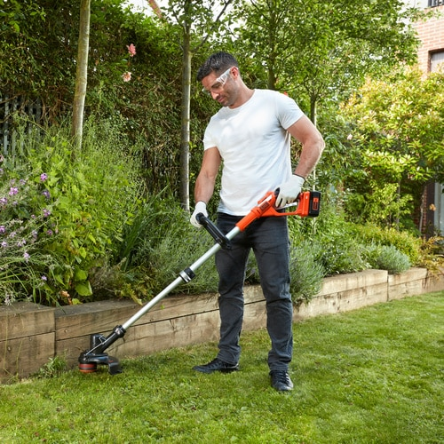 Black and Decker - 30cm 36V Lithiumion Strimmer Grass Trimmer without battery - GLC3630LB