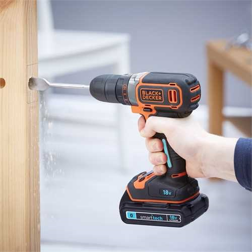 Black and Decker - 18V Lithiumion smart tech Drill Driver with 400mA charger and Kit Box - BDCDC18KST