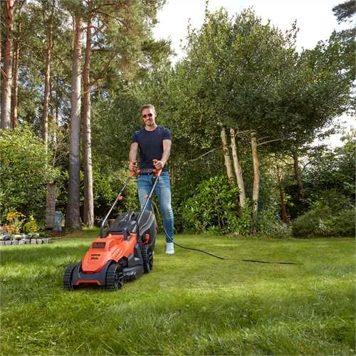 Black and Decker - 34cm 1400W Mower with Ergonomic Handle Design - BEMW461BH