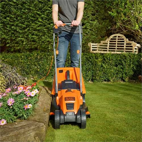 Black and Decker - 1200W 32cm Electric Lawn Mower - EMAX32S