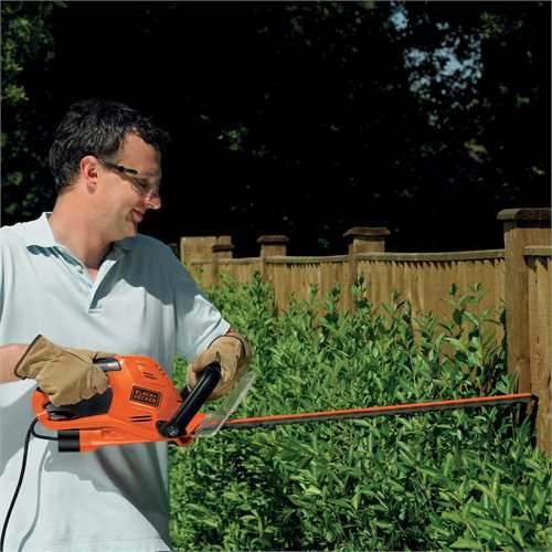 Black and Decker - 60cm 600W Electric Hedge trimmer - GT6060