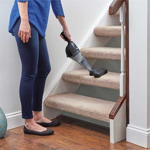Black and Decker - Lithium 4 in 1 dustbuster - NSVA315J